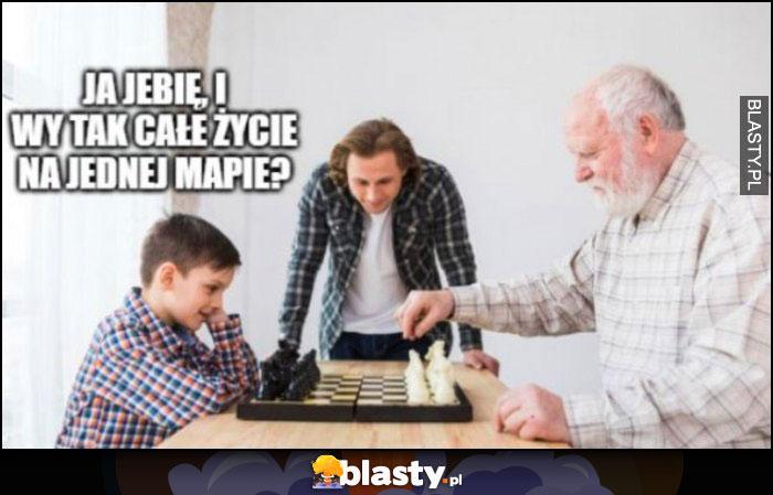 Ja walę i wy tak całe życie na jednej mapie? Dzieciak gra w szachy z dziadkiem