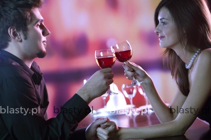 Gdy kobieta umawia się z mężczyzna na randke, najbardziej boi się żeby nie był seryjnym mordercą