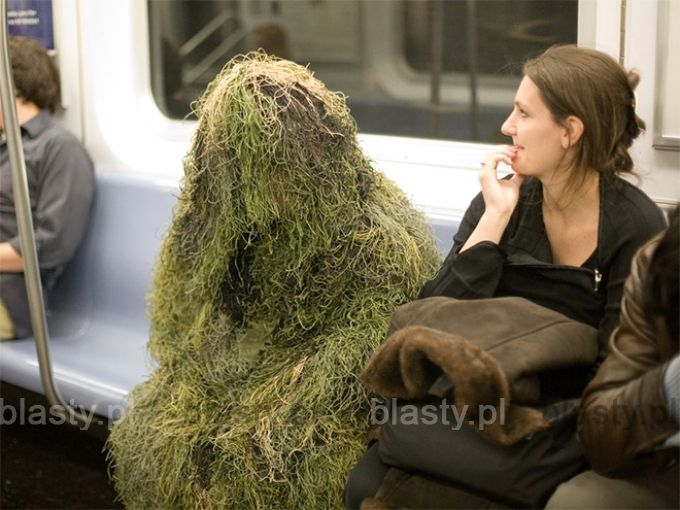 Kiedy jesteś snajperem, ale na wojnę jeździsz metrem.