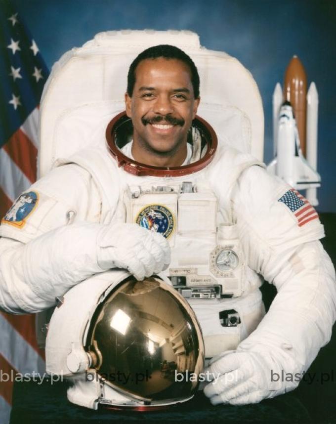 Kiedy wysyłasz czarnego kosmonautę w kosmos ponieważ inne planety również potrzebują przestępstw