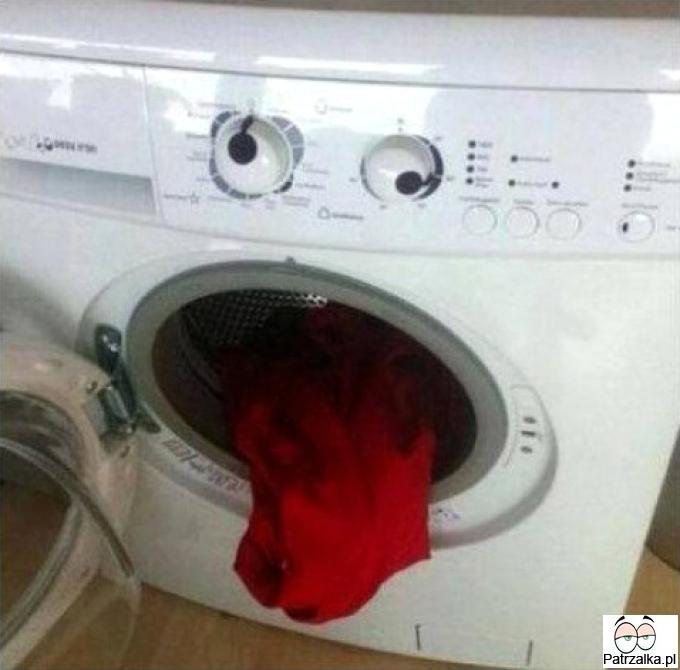 Nawet pralka nie może znieść zapachu twoich skarpetek