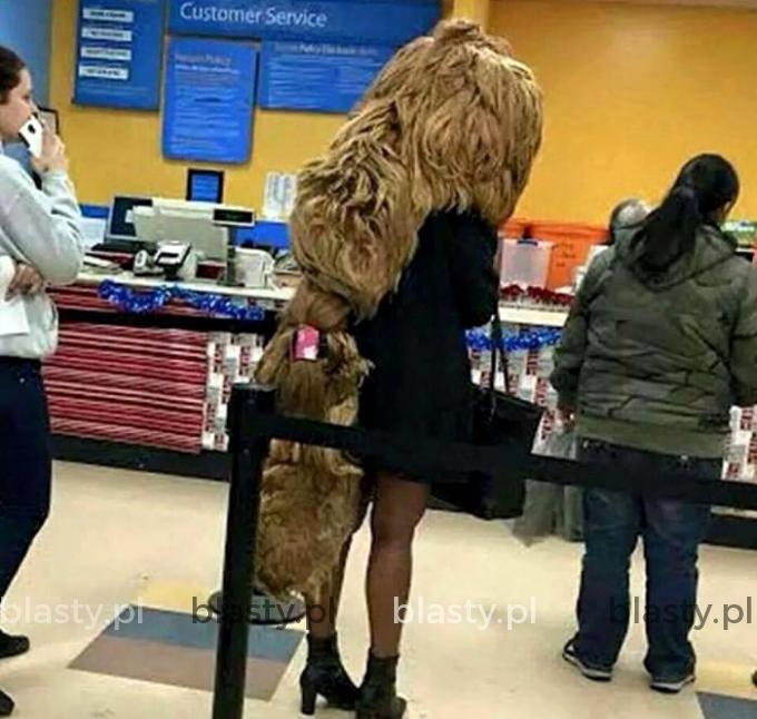 Pewnie oszczędza na fryzjerze.