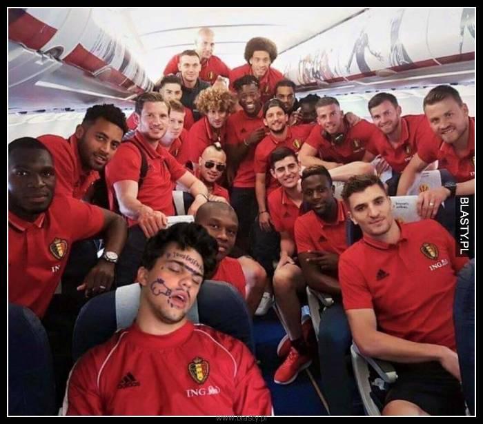 Nigdy nie śpij w samolocie