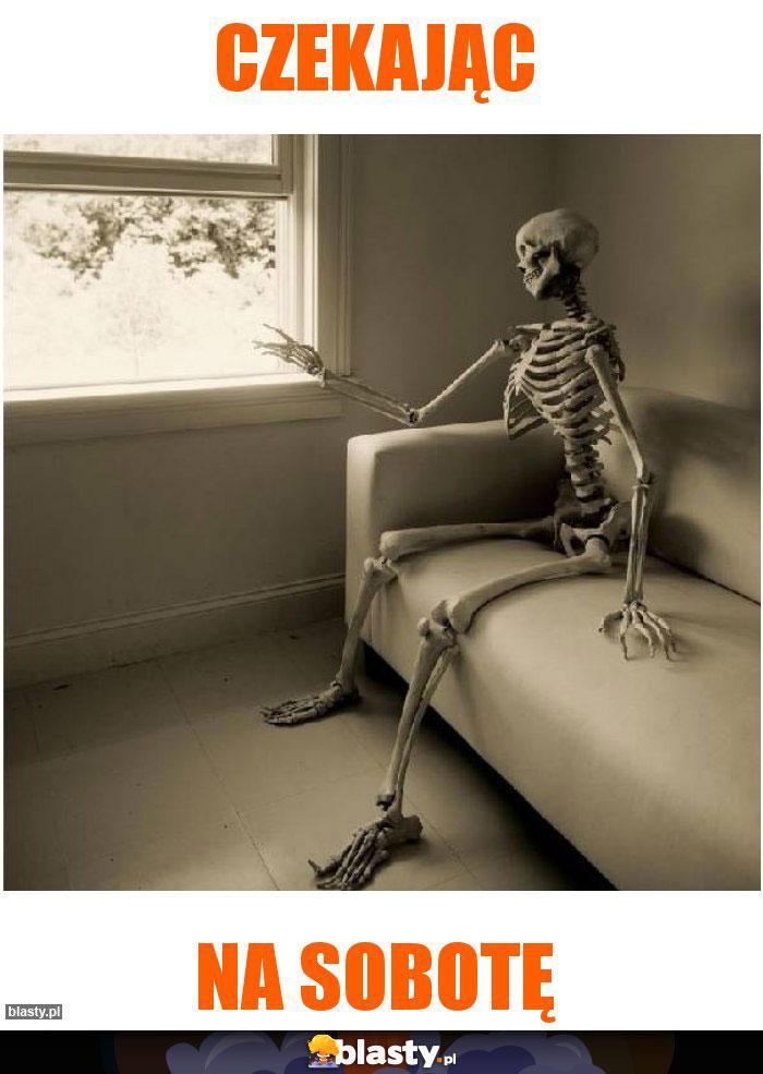 Czekając