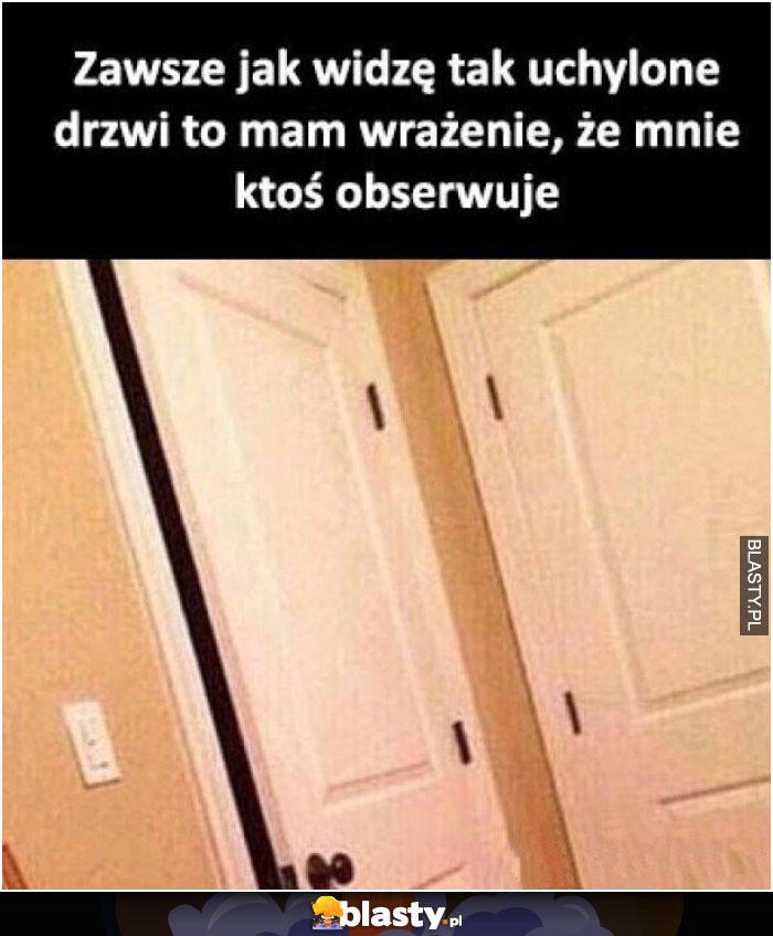 Uchylone drzwi