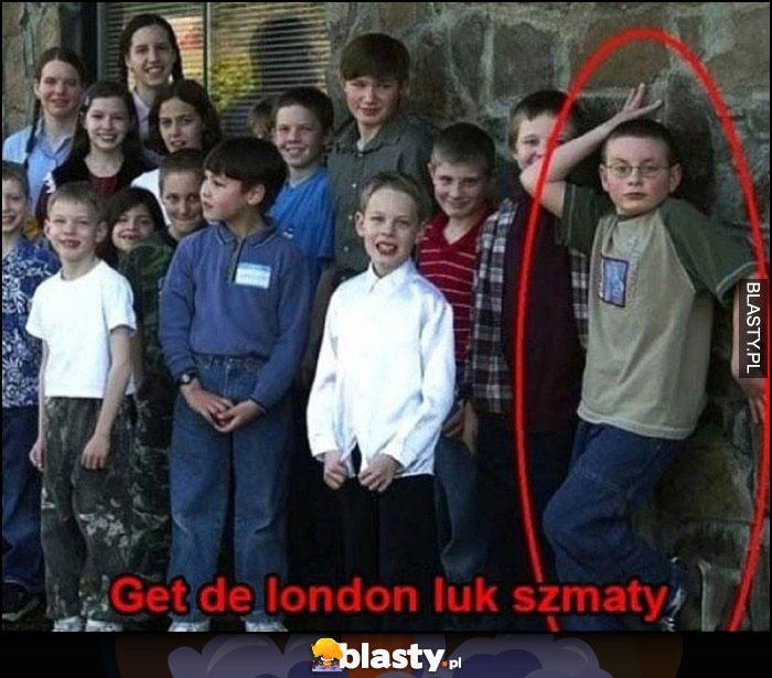 Get the London luk szmaty chłopak dziwna poza na zdjęciu
