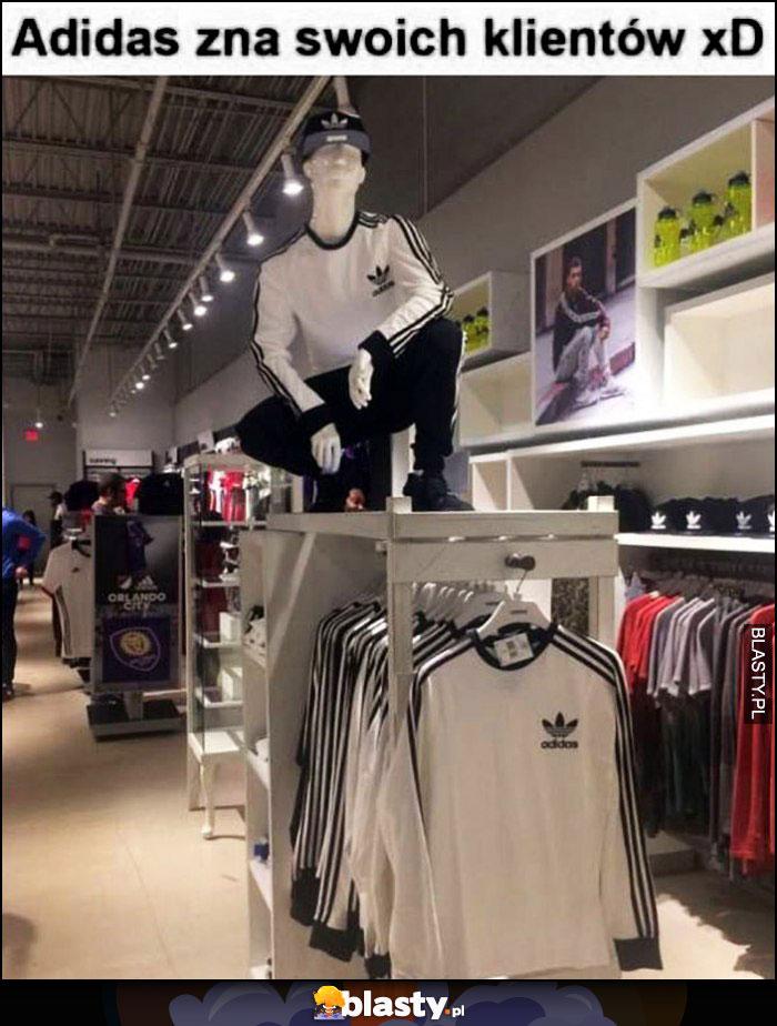 Adidas zna swoich klientów manekin słowiański przykuc