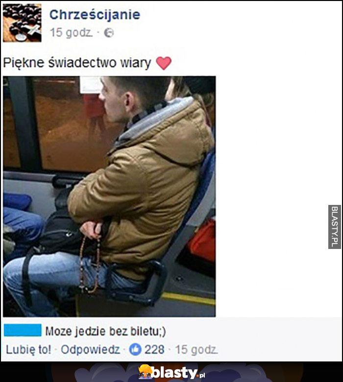 Odmawia różaniec w autobusie, piękne świadectwo wiary, może jedzie bez biletu
