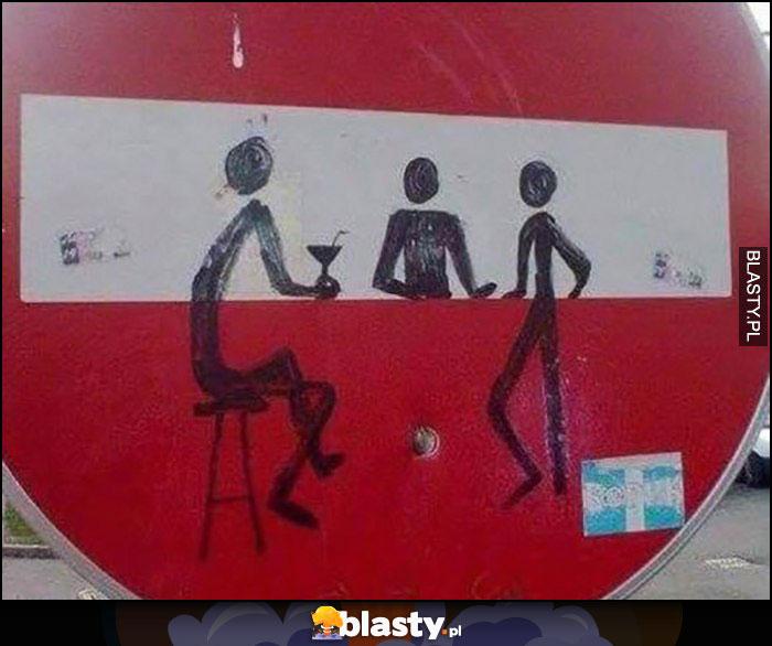 Znak stop przerobiony na bar rysunek ludziki