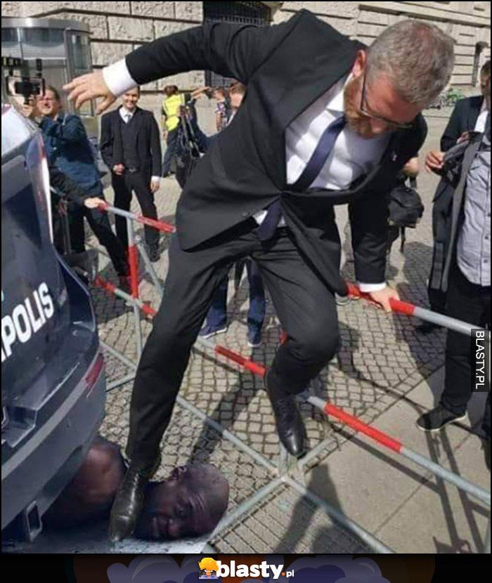 Grzegorz Braun George Floyd wskakuje butem na głowę szyję przeróbka